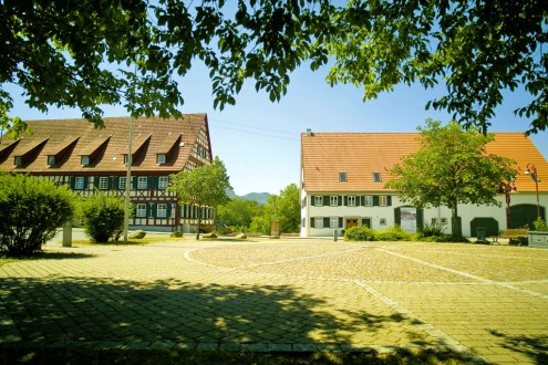 Haus der Volkskunst – links das ehemalige Rathaus Dürrwangen, rechts das Jetter-Haus • Foto: Hans Georg Zimmermann