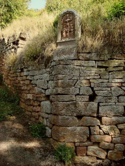 Trockenmauer bei Werbach-Gamburg (Foto © R. Wolf)